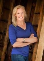 Julie McCallen Headshot